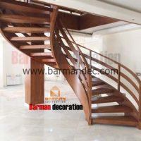 نرده چوبی مدرن روی پله دو محور باکس