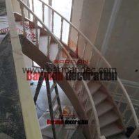 پله گرد پیچ پله چوبی نرده چوبی کف پله چوب